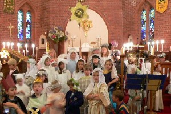 Crib Service at Holy Trinity Hampton