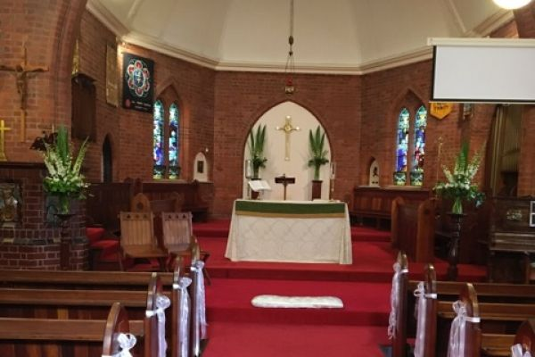 Hold your wedding at Holy Trinity Hampton